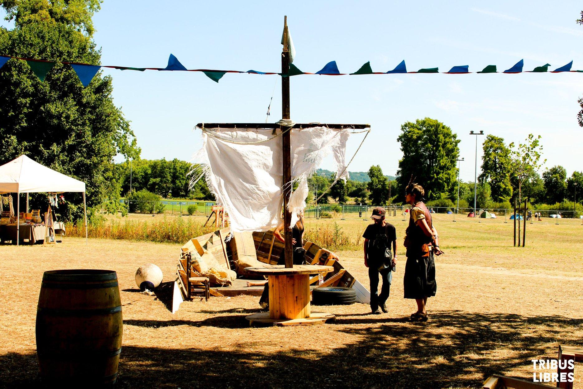 bateau en bois tribus libres